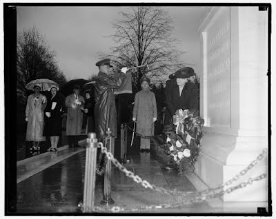 : D.A.R. pay tribute to America's Unknown Soldier. Washington, D.C., April 16, 1939